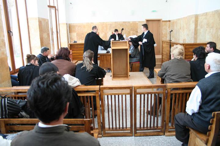 tribunal instanta Razboi total pe salarii intre judecatori si procurori