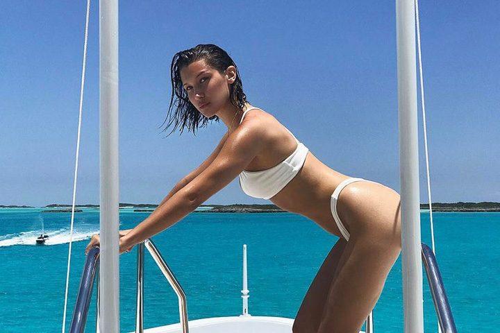 1 1 1 720x480 Bella Hadid si Kendall Jenner: vacanta sexy!