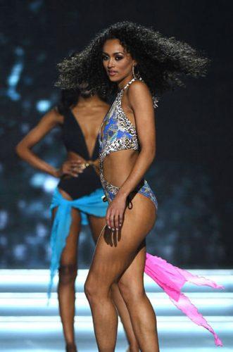 1 7 331x500 Miss SUA 2017  lucreaza in domeniul nuclear!