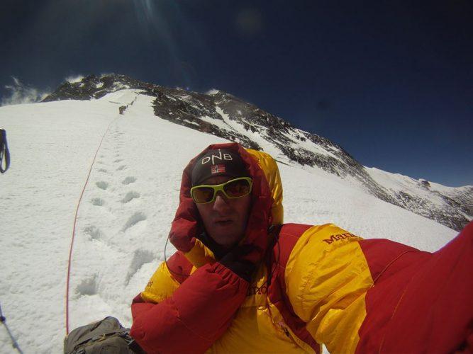 18447072 1223974837711472 6531122021931644462 n horia 667x500 Reusita impresionanta pentru alpinistul Colibasanu: a cucerit Everestul fara oxigen suplimentar sau serpasi!