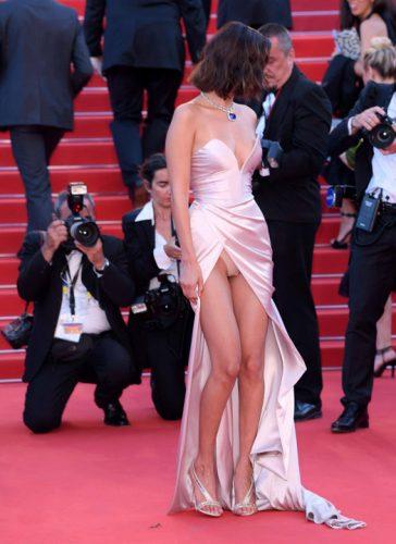 18596651 782531795246156 538659526 o 364x500 Bella Hadid, cu chilotii la vedere la Cannes