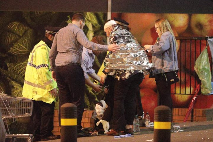 4 720x479 Atac terorist la Manchester: explozie soldata cu 22 morti la concertul Arianei Grande
