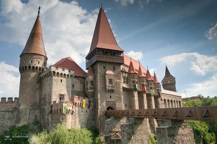 Castelul Corvinilor Castelul Huniazilor Hunedoara 14 Castelul Corvinilor a fost jefuit