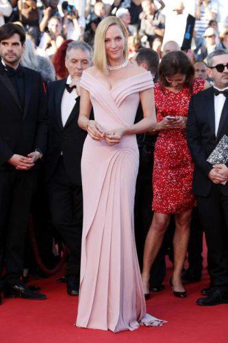 Cea mai bine imbracata Uma Thurman 333x500 Bella Hadid, cu chilotii la vedere la Cannes