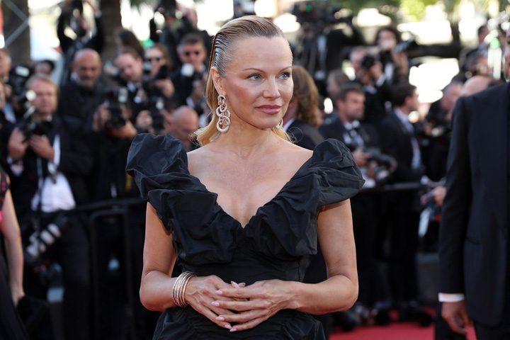 Pamela Anderson Cannes 720x480 Aparitia care a furat show ul de la Cannes