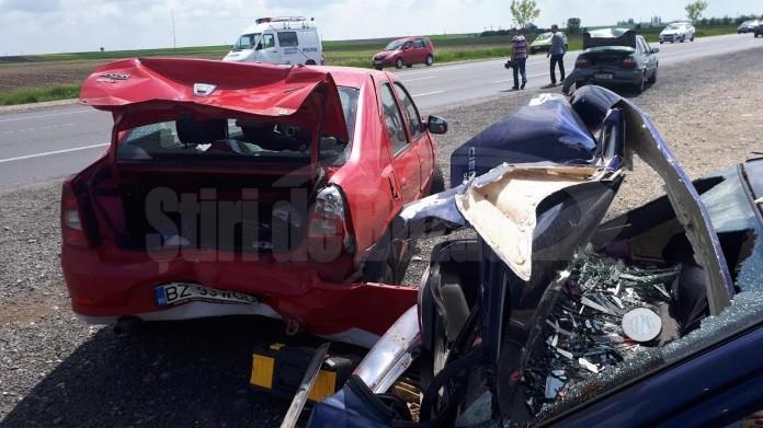 accid Patru oameni loviti in plin de o masina, pe DN 2