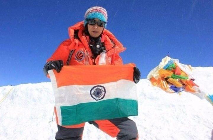 alpinista 720x475 O femeie a cucerit de doua ori Everestul in sapte zile