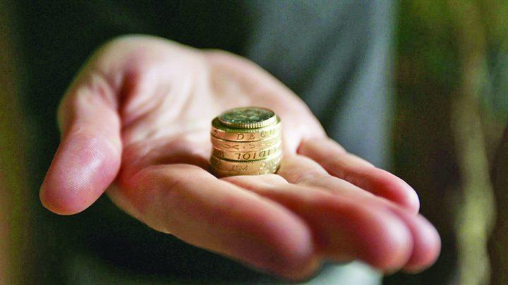 bani2 720x405 Cresterile salariale nu se vor simti in buzunarul romanului!