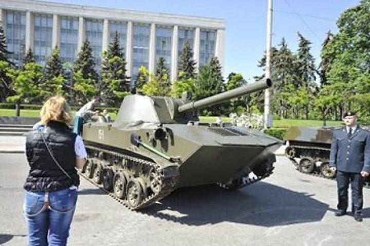 comunisti 9 720x478 Comunistii din Moldova au sarbatorit Ziua Victoriei in avans