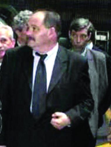 """florin nuta 379x500 """"Baiatul destept"""" Bogdan Buzaianu, capusat de propriul sau director"""