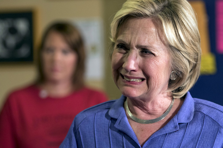 hillary Hillary da vina pe rusi si pe FBI