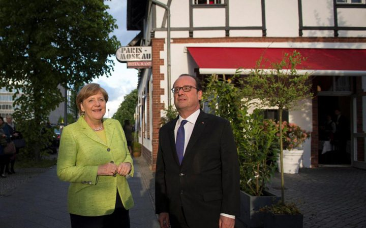 hollande merkel 720x450 Prima intalnire Macron Trump