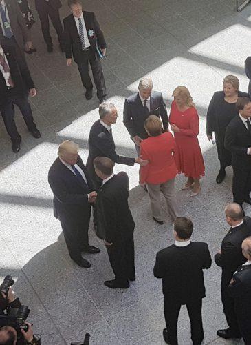 ioha trump2 365x500 Klaus l a cunoscut in sfarsit pe Donald