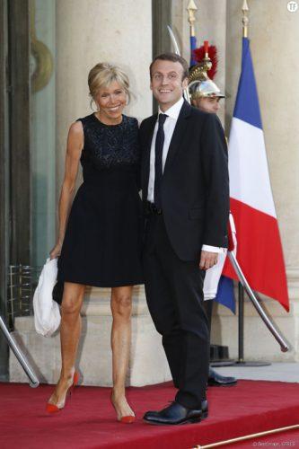 macron 1 333x500 Macron nu va depune juramantul de investitura
