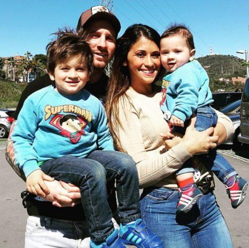 messi4 501x500 Lionel Messi face nunta mare in iunie!