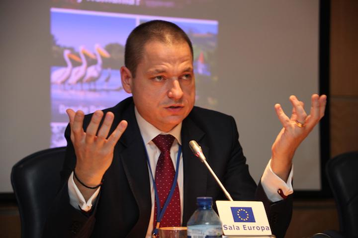 ministru Mircea Titus Dobre Ministerul Turismului de frecat menta