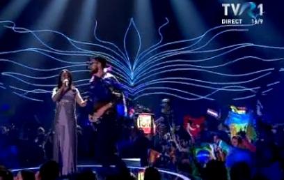 pant 1 Incident in direct la Eurovision: un spectator si a dat jos pantalonii, pe scena! (VIDEO)
