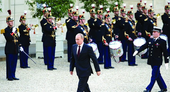 putin 8 720x390 Macron,  primul skanderberg cu Putin