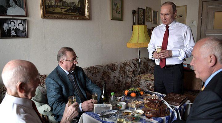 putin1 720x400 Putin, vizita surpriza la fostul lui sef