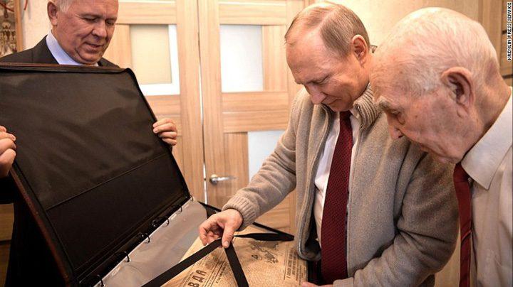 putin2 720x404 Putin, vizita surpriza la fostul lui sef