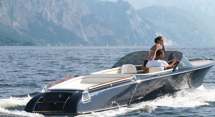 salupa mare 720x392 Salupa electrica vintage: ultima fita pe Coasta de Azur
