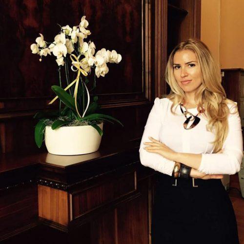 tarteata 2 1 500x500 Blonda lui Grindeanu de la Turism, parasutare scandaloasa la Romatsa