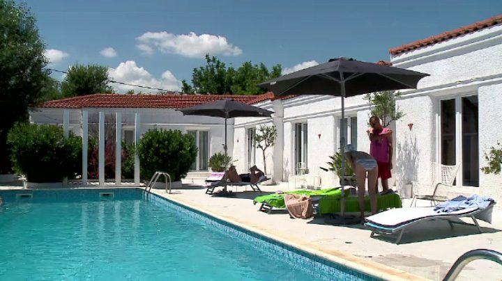 thumb1 hotelurile adults only ajung si in romania cum se pot relaxa turistii in inimitate fara copii in preajma 720x404 Hoteluri pentru adulti, noul trend pe litoralul romanesc