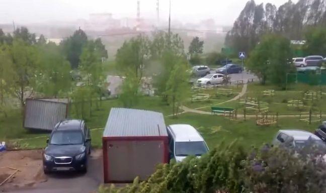 vant O furtuna abatuta asupra Moscovei a ucis 12 persoane (VIDEO)