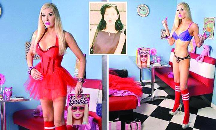 19265047 803155893183746 1094382524 n O papusa Barbie in carne si oase, la 46 de ani