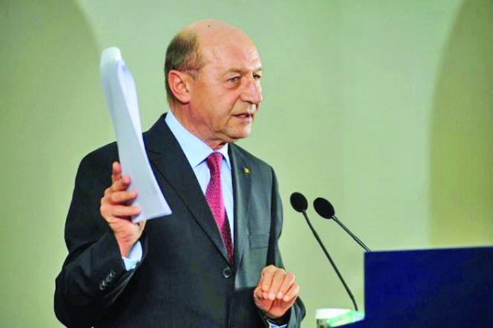 BASEE Basescu, pacaliciul sistemului!