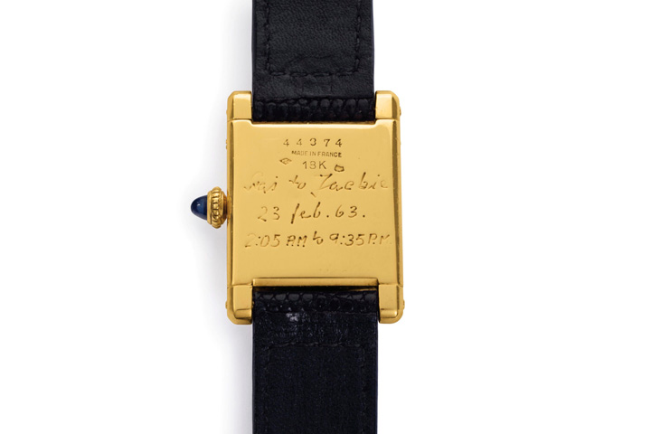 L arriere de la montre ayant appartenu a Jackie Kennedy Kim Kardashian poarta ceasul lui Jaqueline Kennedy