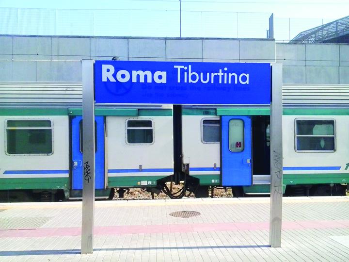 Roma Tiburtina train station 03 Si a uitat copilul in tren
