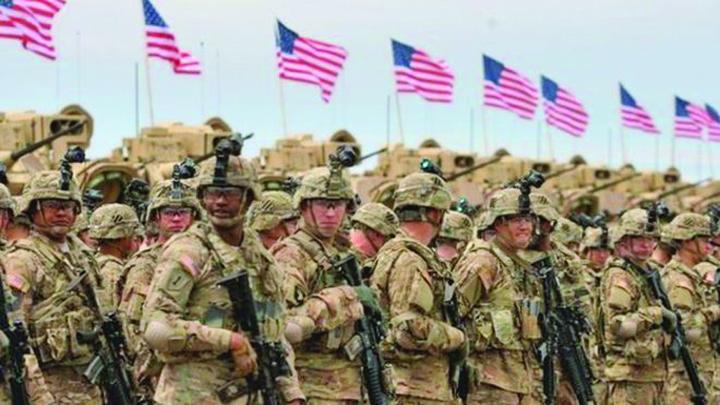 america Iohannis imbraca haina militara!
