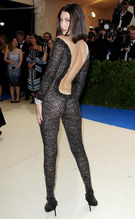 "bella tout2 Designerul Alexander Wang crede ca Bella Hadid este ""trupul noii generatii"""
