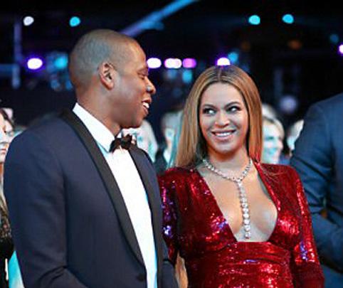 beuyonce Beyonce isi face sala de nastere acasa!