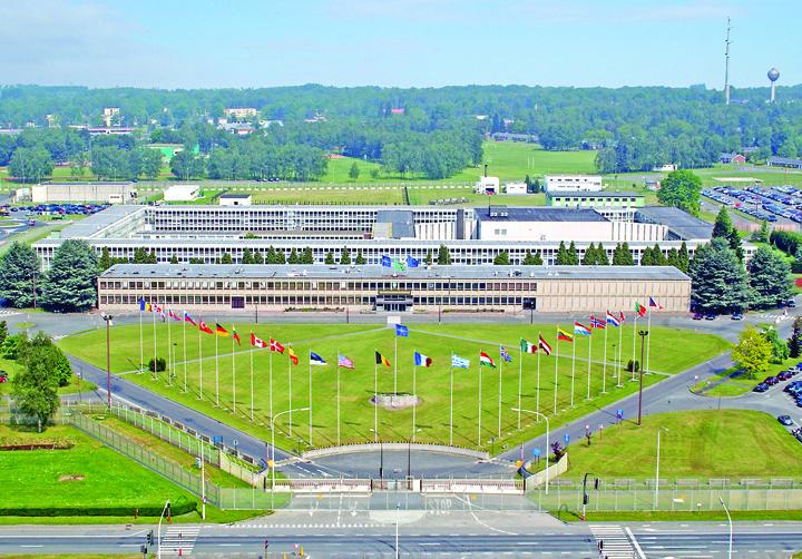 comandament Se face o noua baza NATO in Romania!