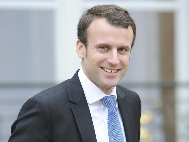 emmanuel macron Macron, facut presedinte de postacii romani!