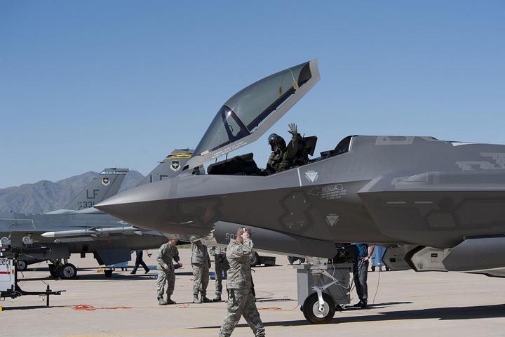 f 35 Seful Pentagonului, socat de amatorismul US Army