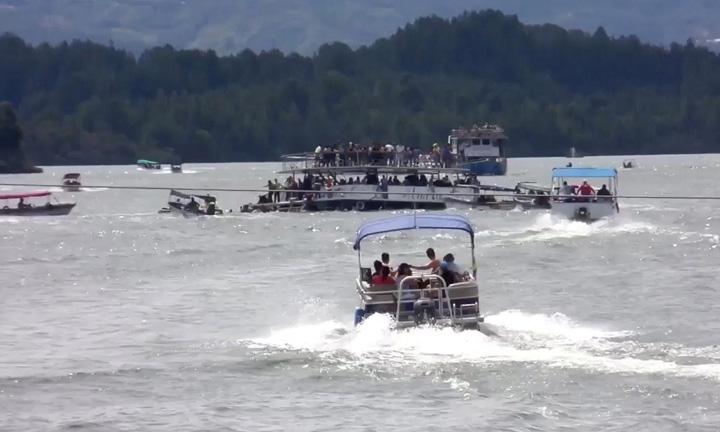 feribot 1 Naufragiu in Columbia, morti si disparuti