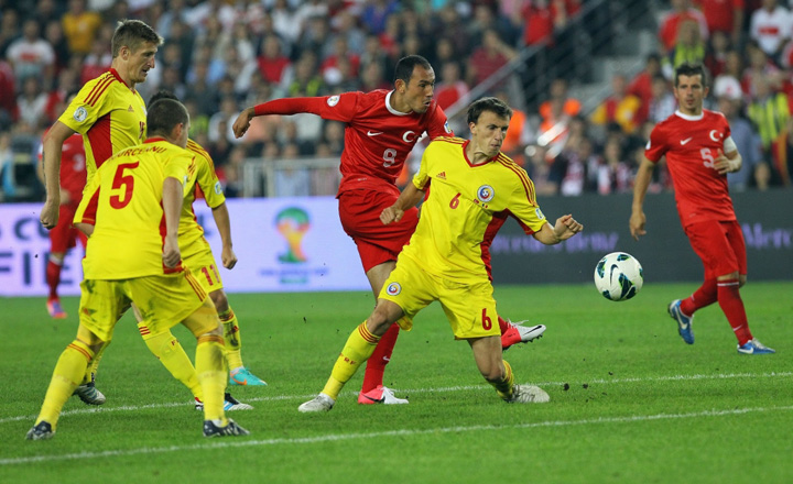 fotbalromania 1376551219 Schimbari majore in fotbal: meciul va avea 60 de minute