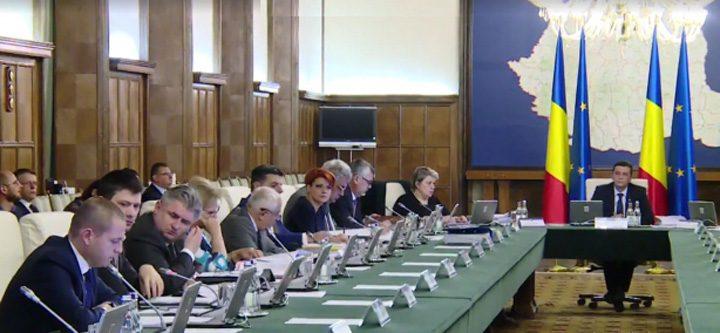 guvern 720x333 Guvernul amana modificarea Codurilor, in asteptarea motivarii deciziei CCR