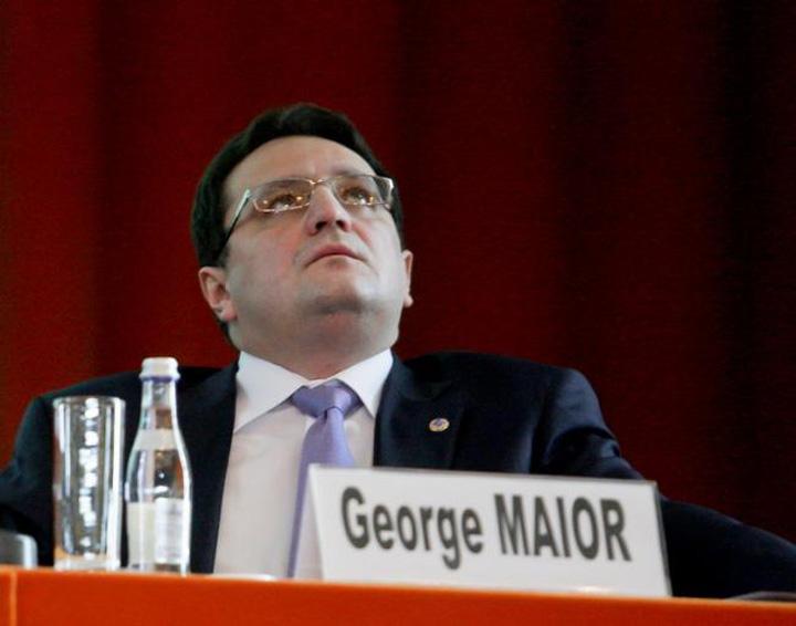 maior Comisia de ancheta a prezidentialelor, un circ fara sfarsit