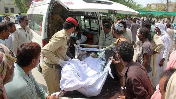 pakistan3 148 de persoane ucise de explozia unei cisterne