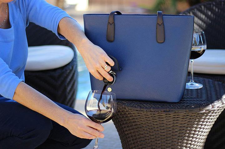 poşeta vin Poseta cu vin la purtator