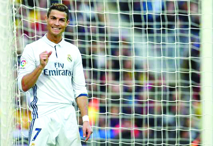 ronaldo Ronaldo a fentat statul cu 14, 7 milioane de euro