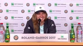 simona Finalista la Roland Garros 2017, Simona Halep a vorbit despre aportul parintilor: Sunt bucurosi. Datorita lor sunt in acest loc