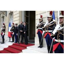 vizita Sorin Grindeanu a discutat, la Paris, cu premierul francez (VIDEO)