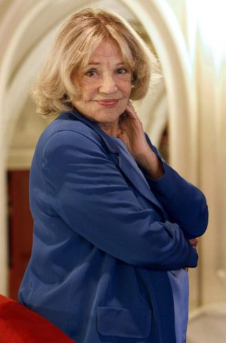 11295657 823834264352747 3342049872307082733 n actrita 329x500 A murit legendara actrita Jeanne Moreau