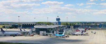 19598870 1286924268096085 8050307689087381846 n otopeni 350x145 La Aeroportul Otopeni se fac reparatii
