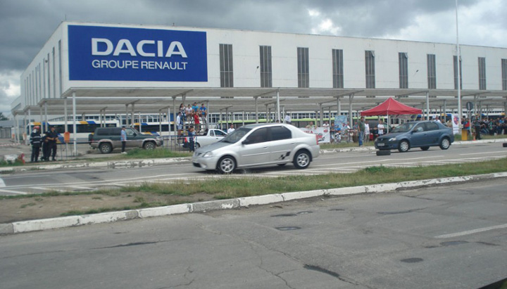 Dacia Renault ne ameninta cu plecarea din Romania!